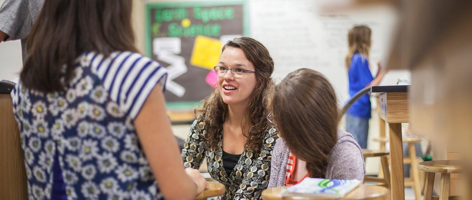 4th grade teacher alumna