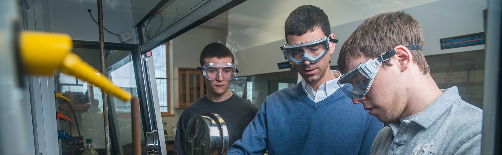 faculty ad students in lab
