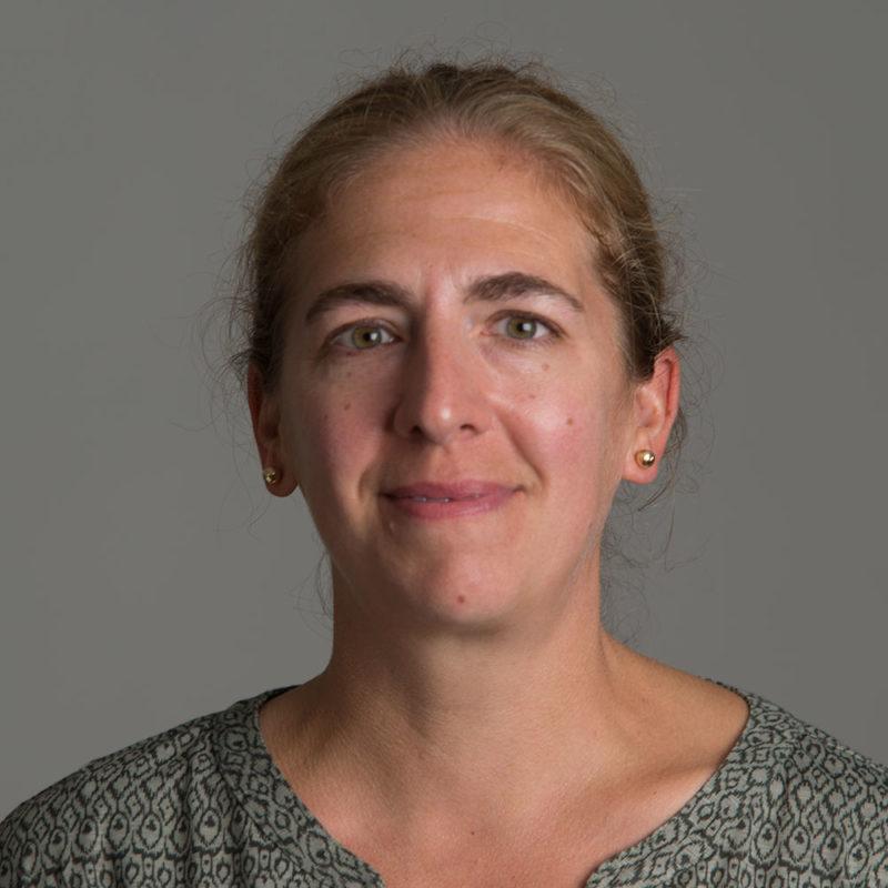 Paula Anich headshot