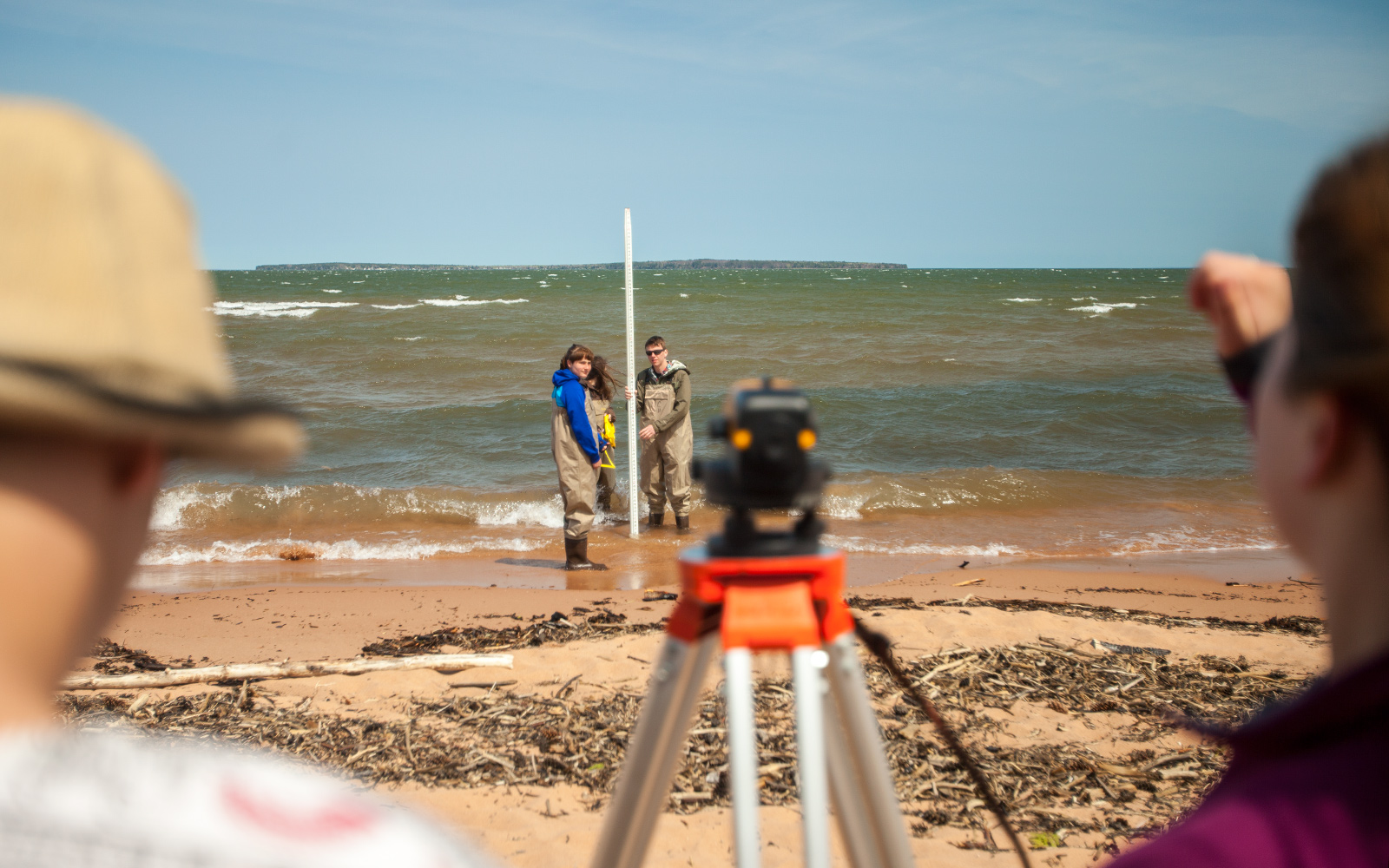 Students measure slope of the beach