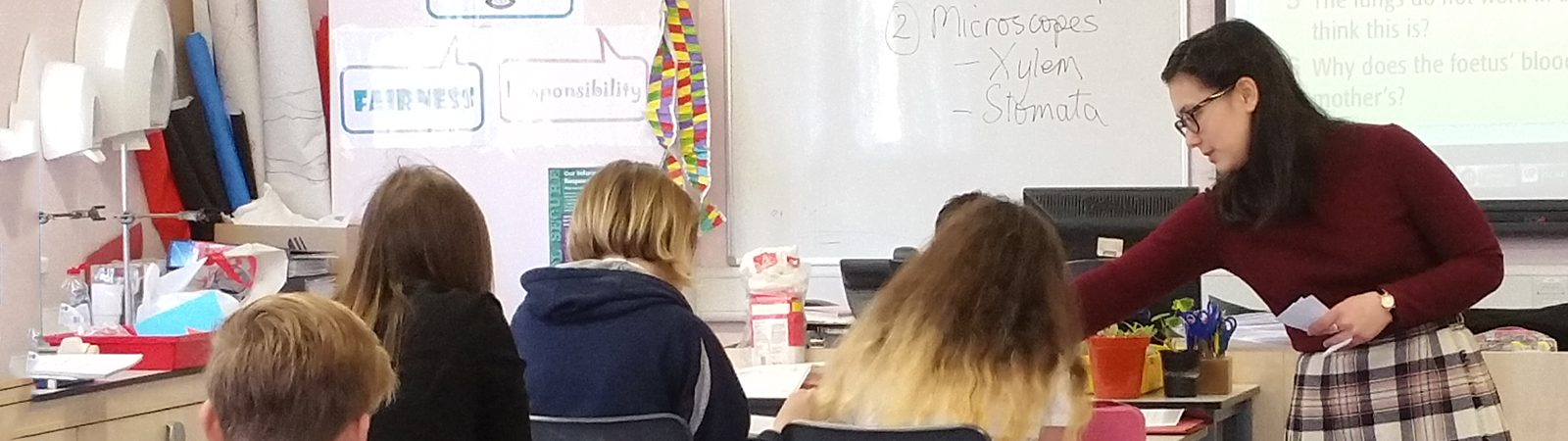 Northland College student Jane Kittaka teaching in Scotland.